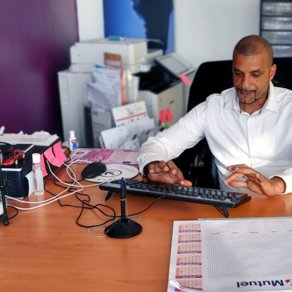 L'auto-école objectif permis est basée bd Maréchal juin à Aix en Provence